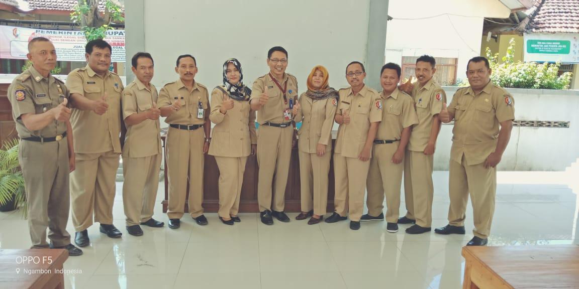 Karyawan Kecamatan Ngambon<BR>Karyawan & Karyawati Kecamatan Ngambon
